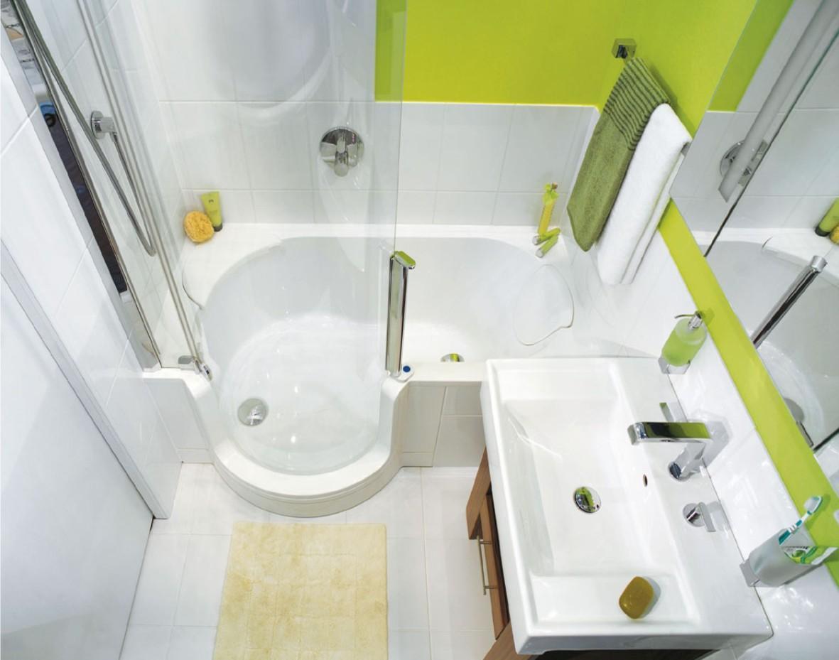 Салатово-белая ванная с душевой