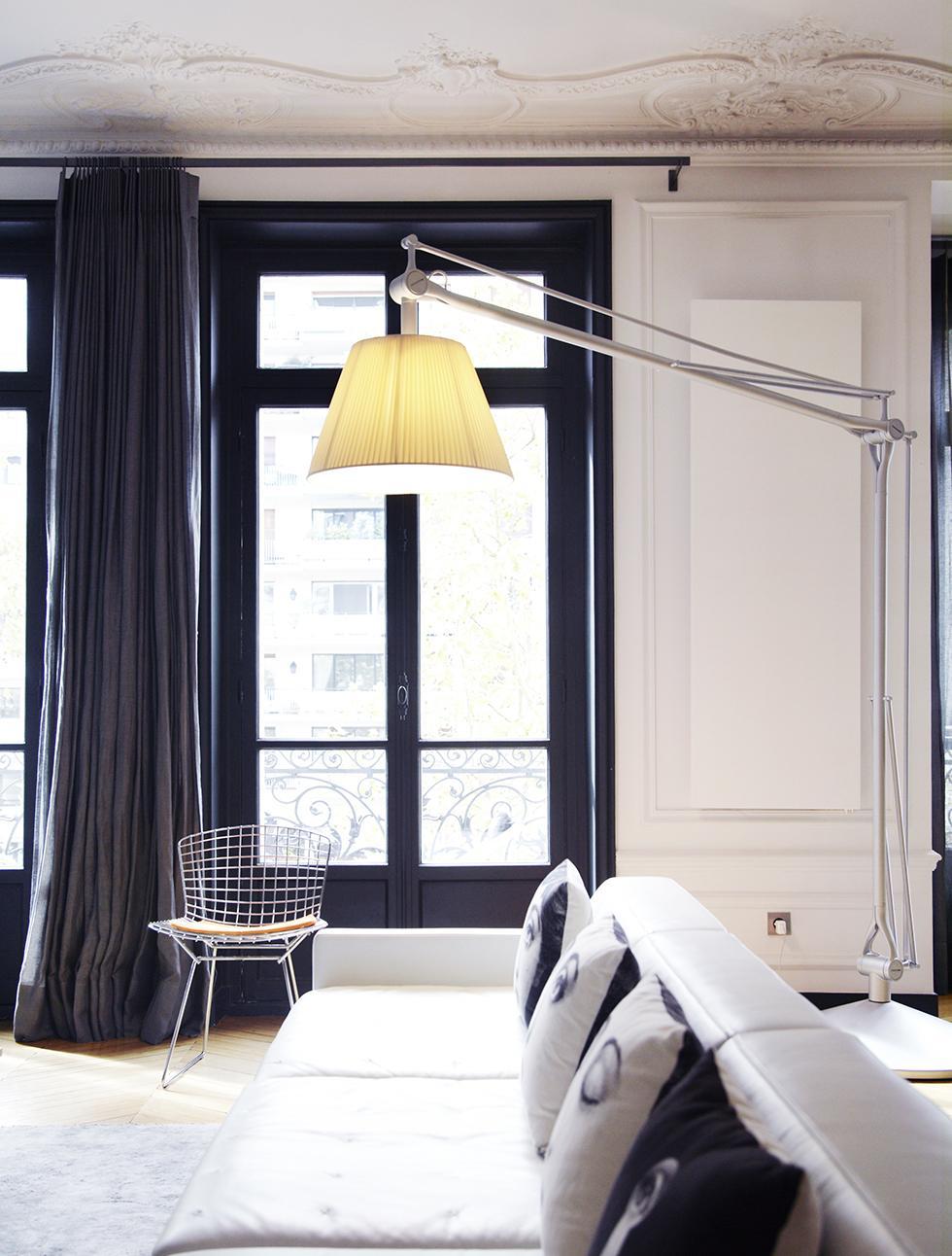 Бюджетный ремонт в однокомнатной квартире монохромный