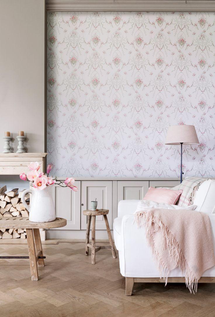 Бледно розовые обои для гостиной