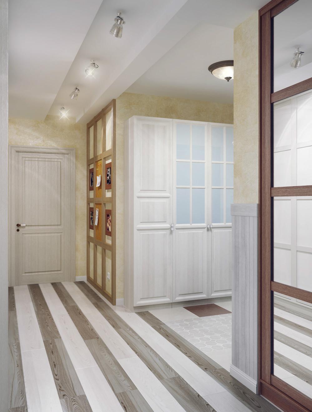 Люстра и металлические светильники в коридоре