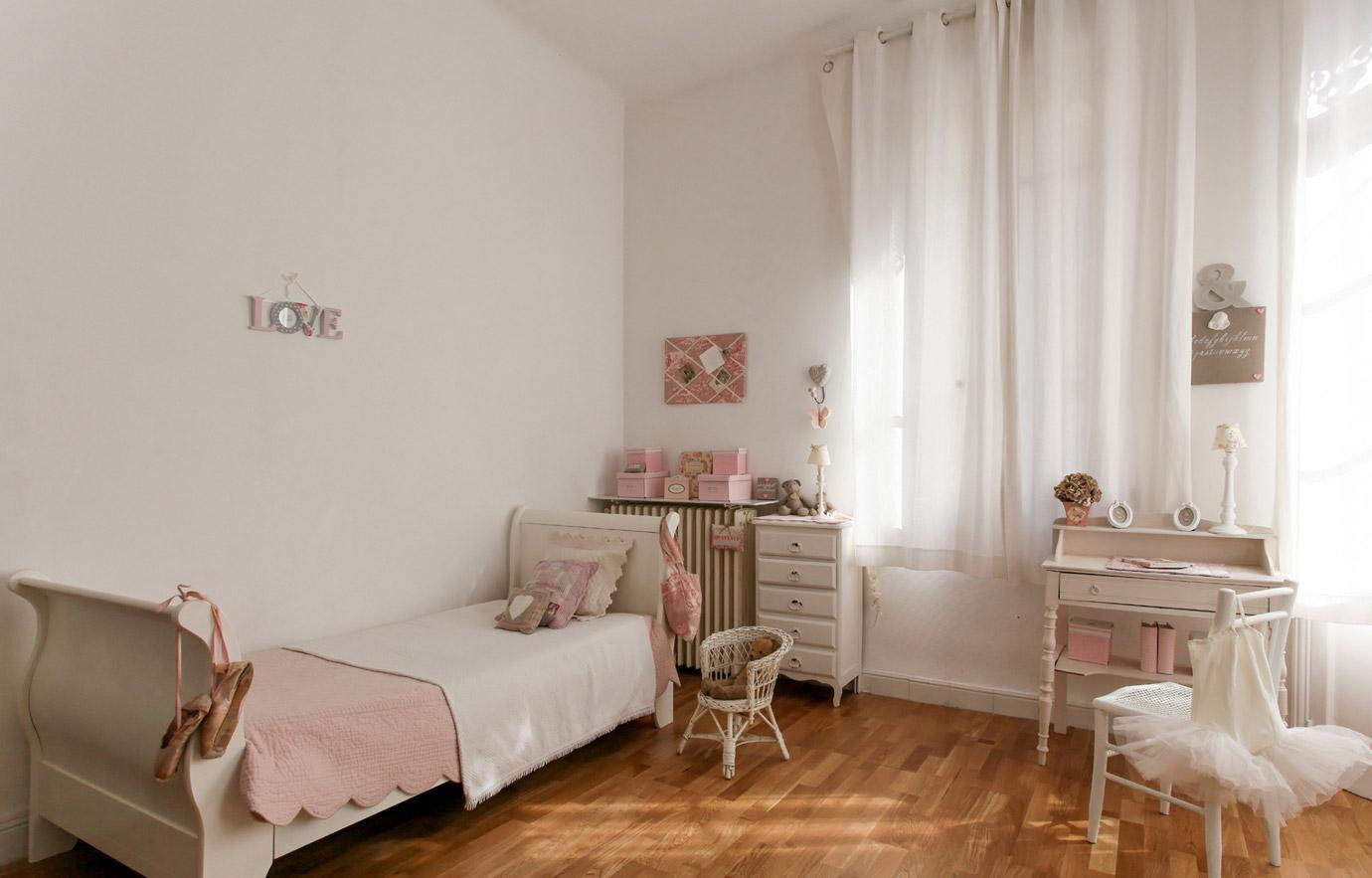 Розовая детская в стиле прованс