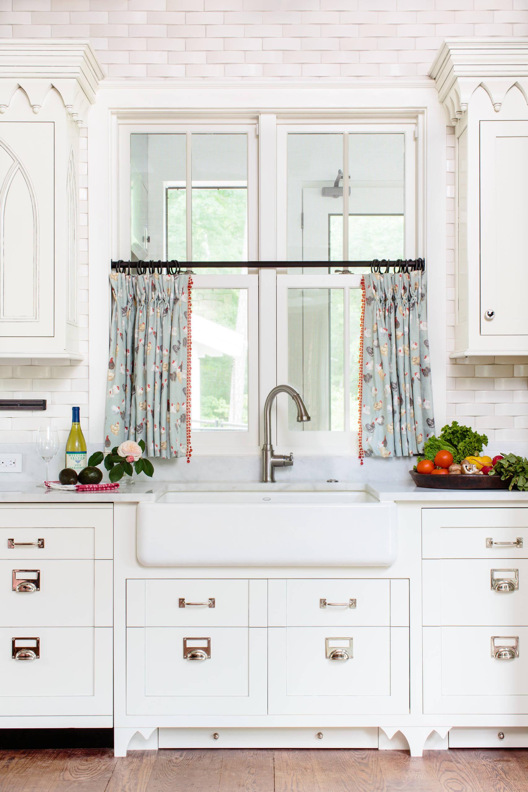 Дизайн штор для кухни в американском стиле
