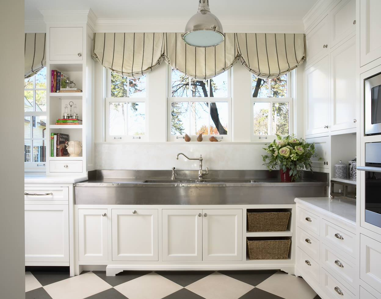 Дизайн австрийских штор для кухни