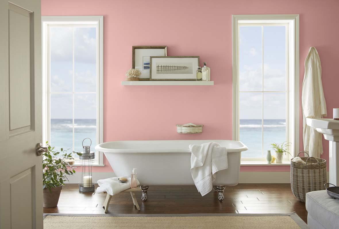 Розовая ванная в доме