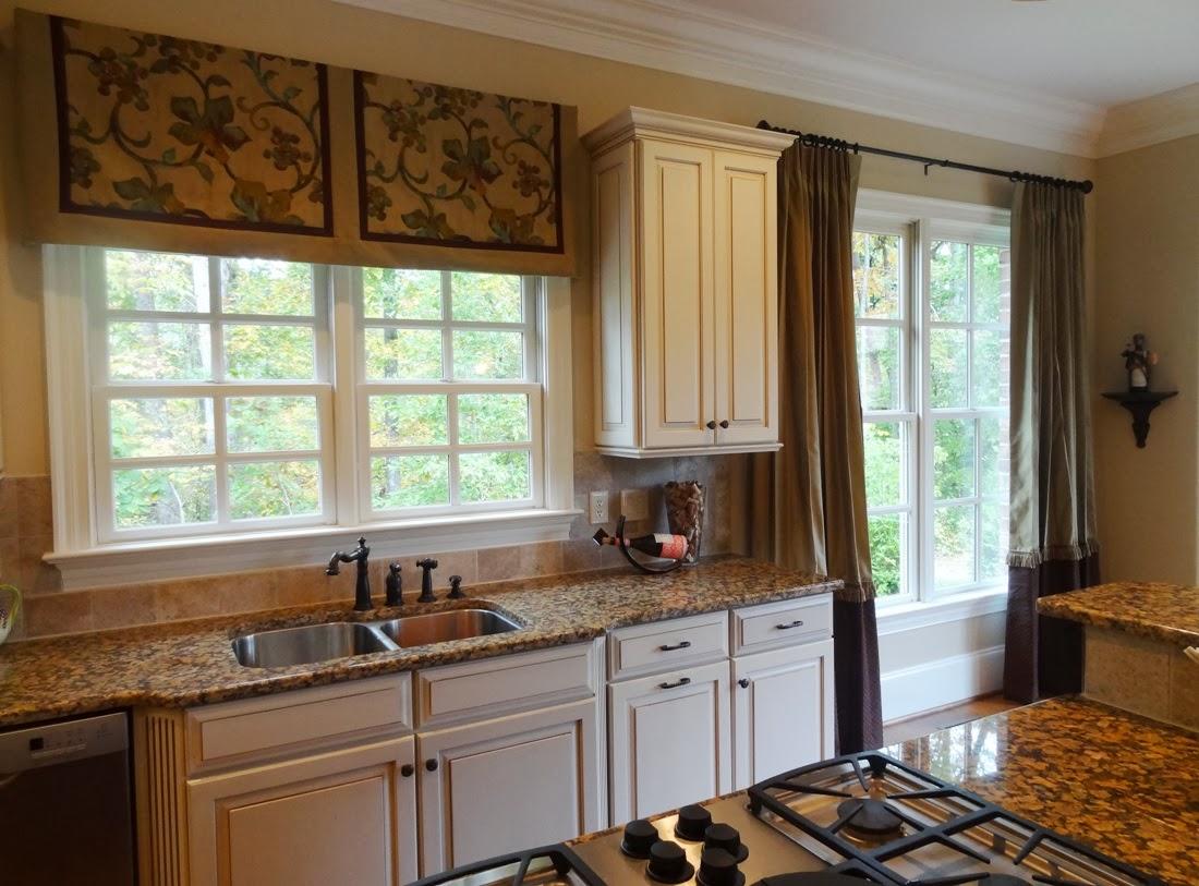 Дизайн штор для кухни комбинированный