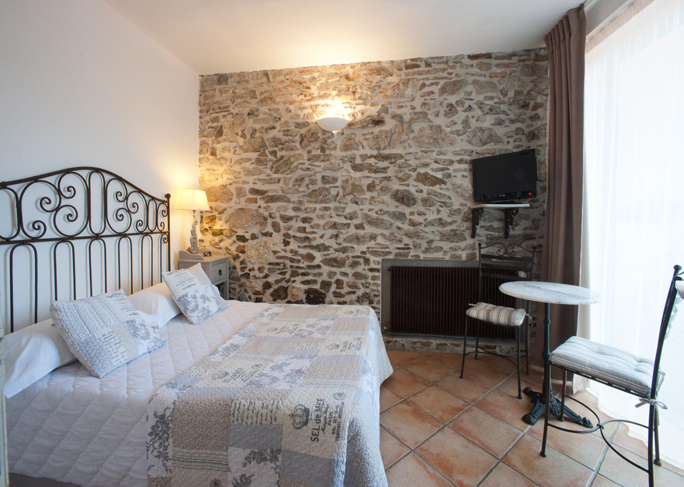 Спальня 12 кв м в средиземноморском стиле