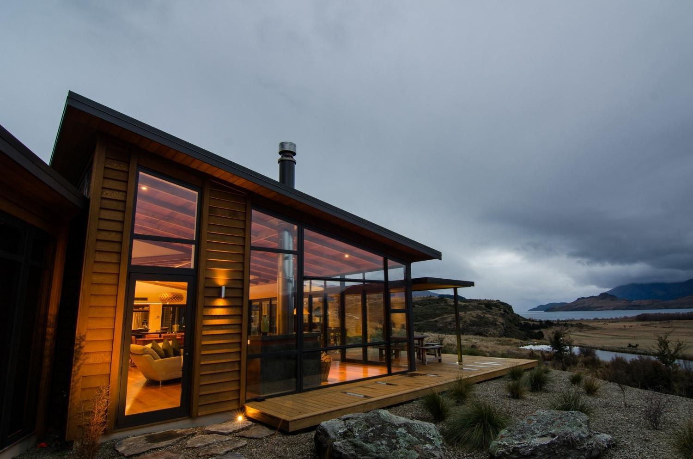Уютный одноэтажный дом в стиле хай-тек
