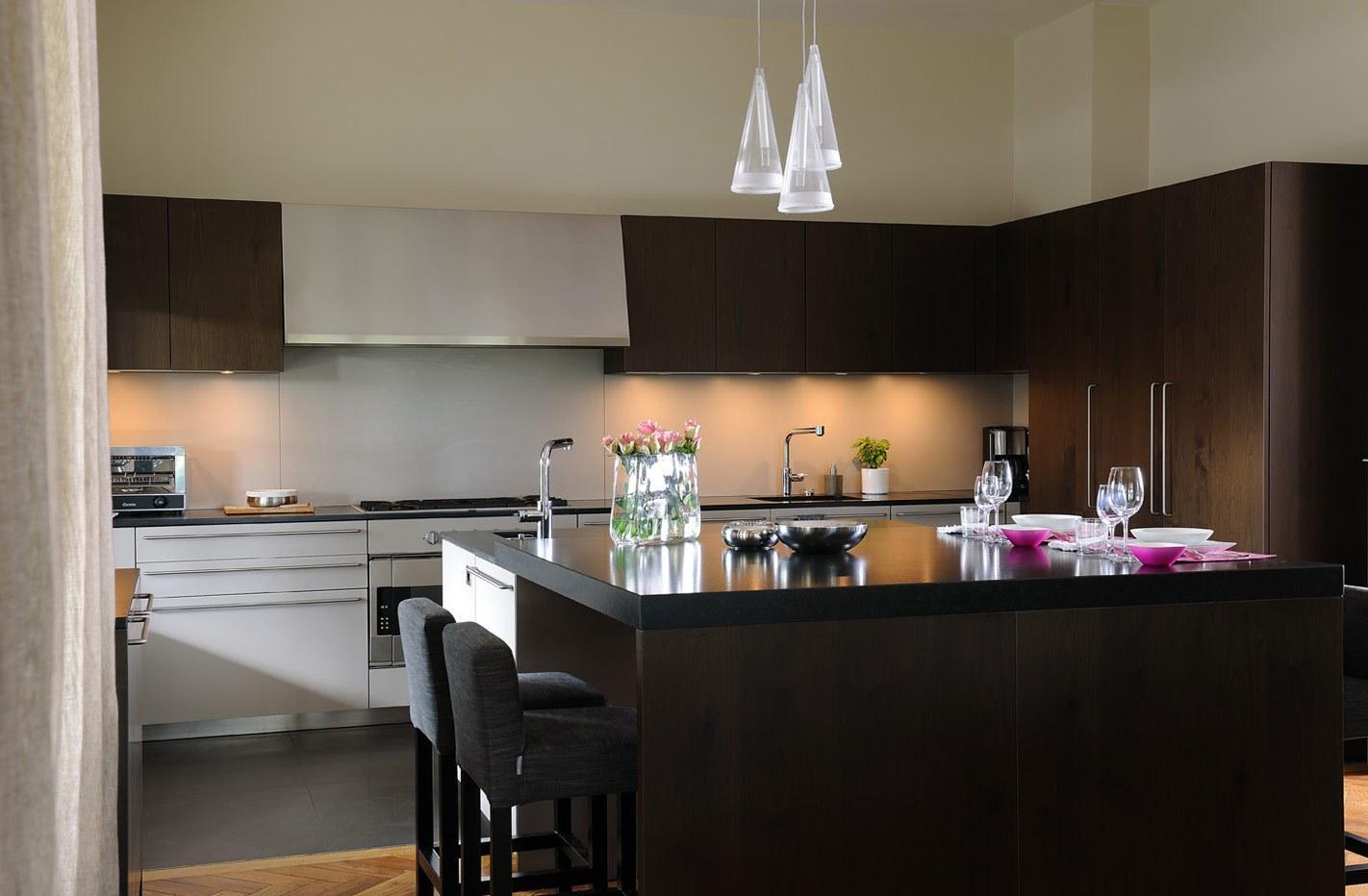 Кухня 7 кв м с островом