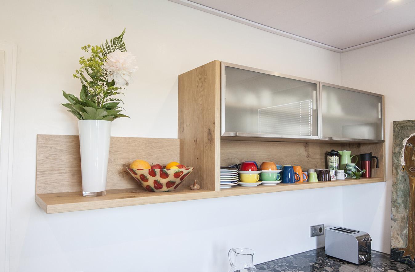 Дизайн кухни с подвесными шкафчиками 2017