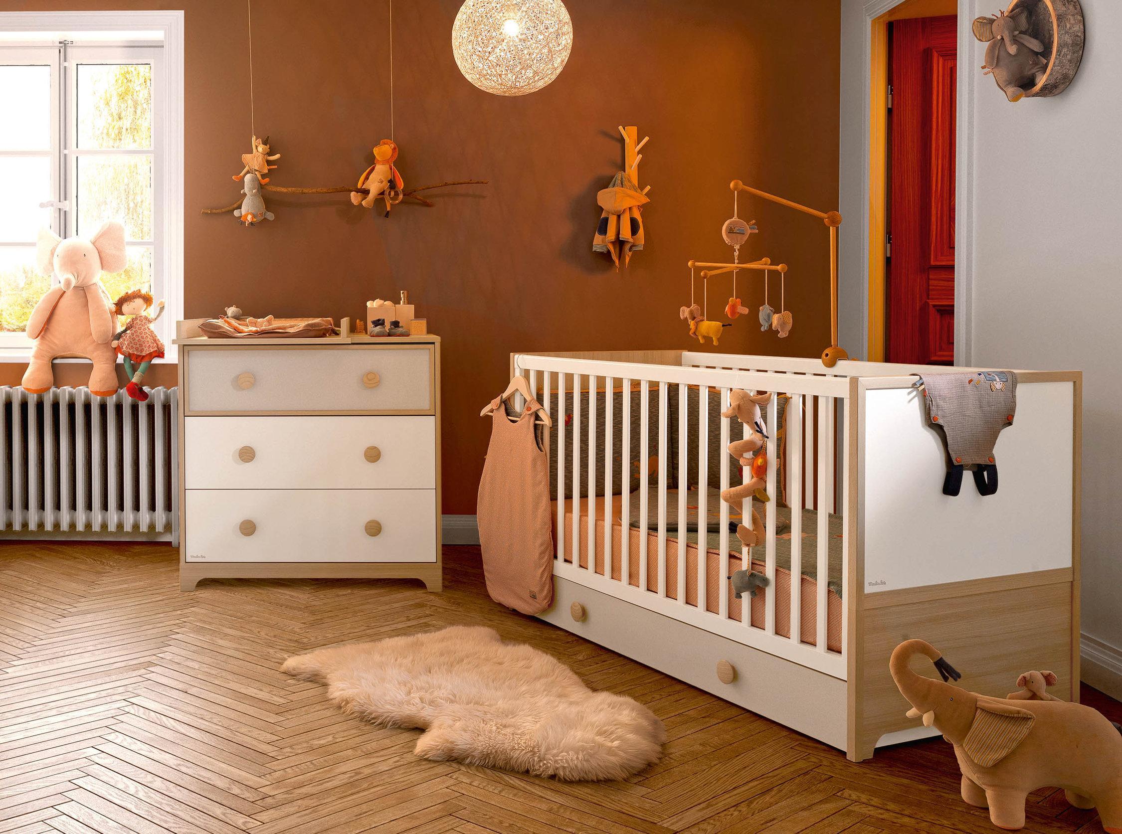 Декор детской кроватки мобиль с игрушками