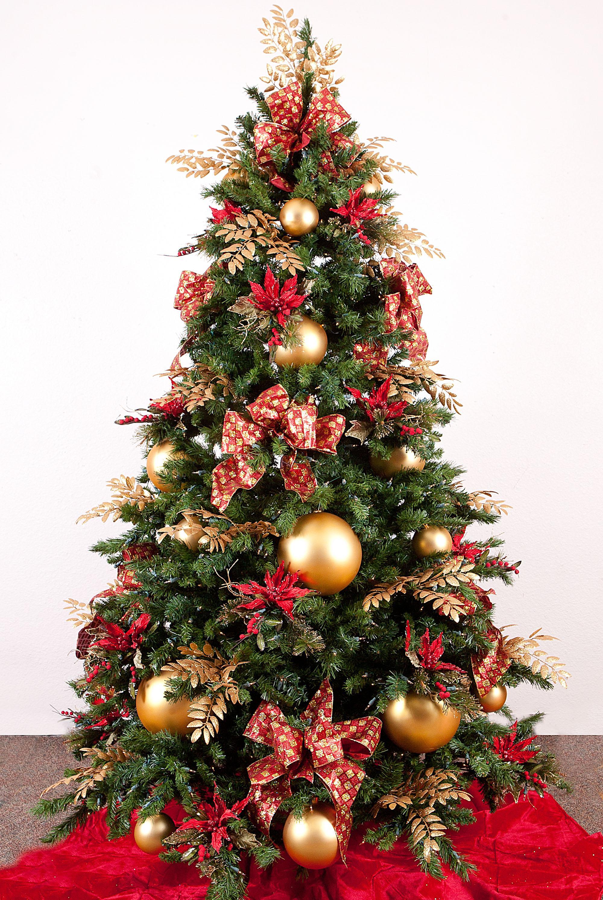 Красивый декор новогодней елки