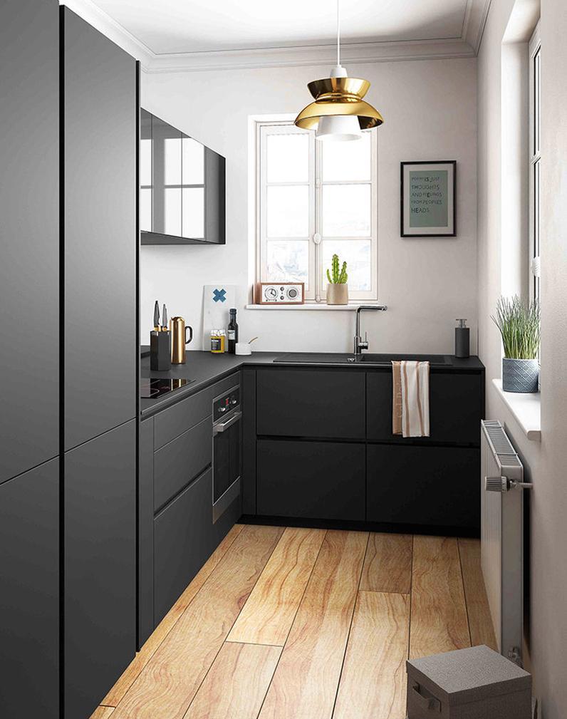 Кухня черная 7 кв м