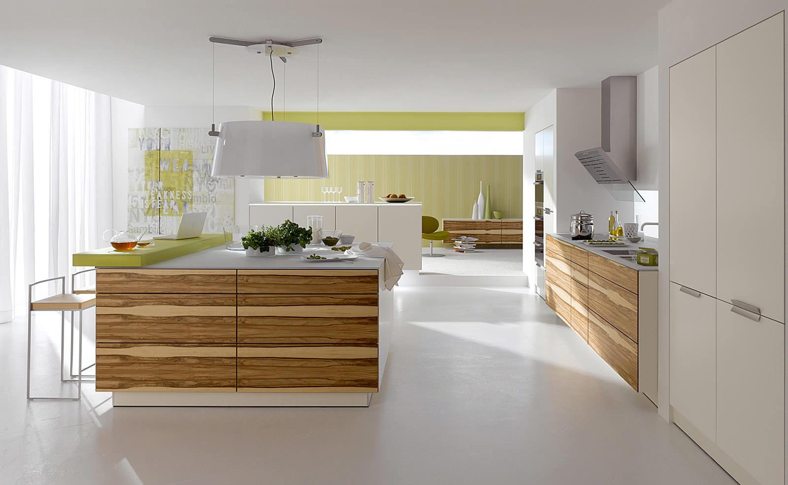 Дерево в отделке кухни