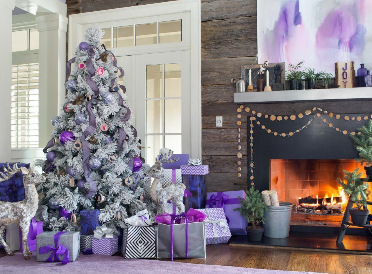 Бело-фиолетовая новогодняя елка