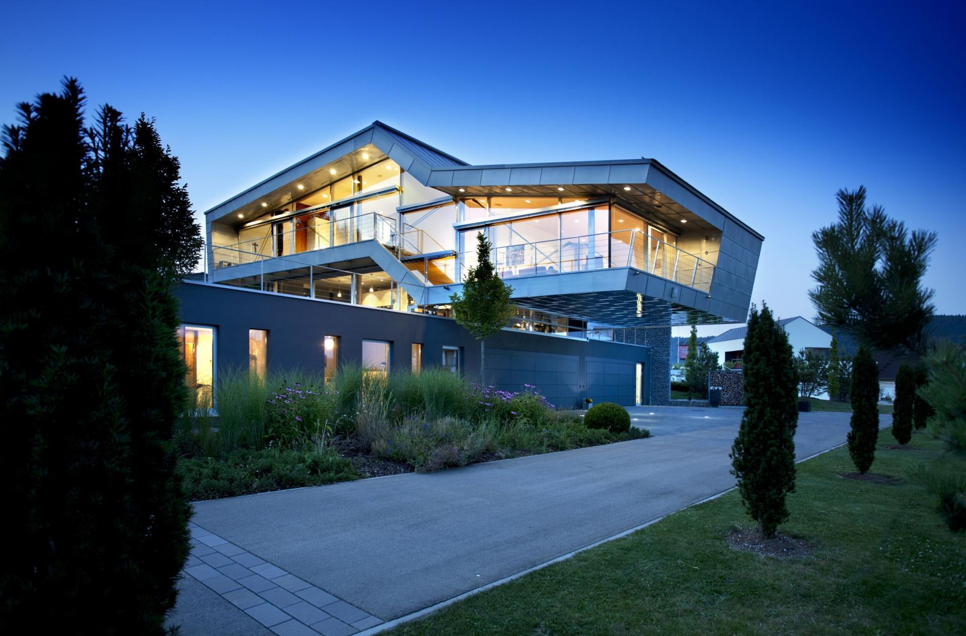 Архитектура дома в стиле хай тек