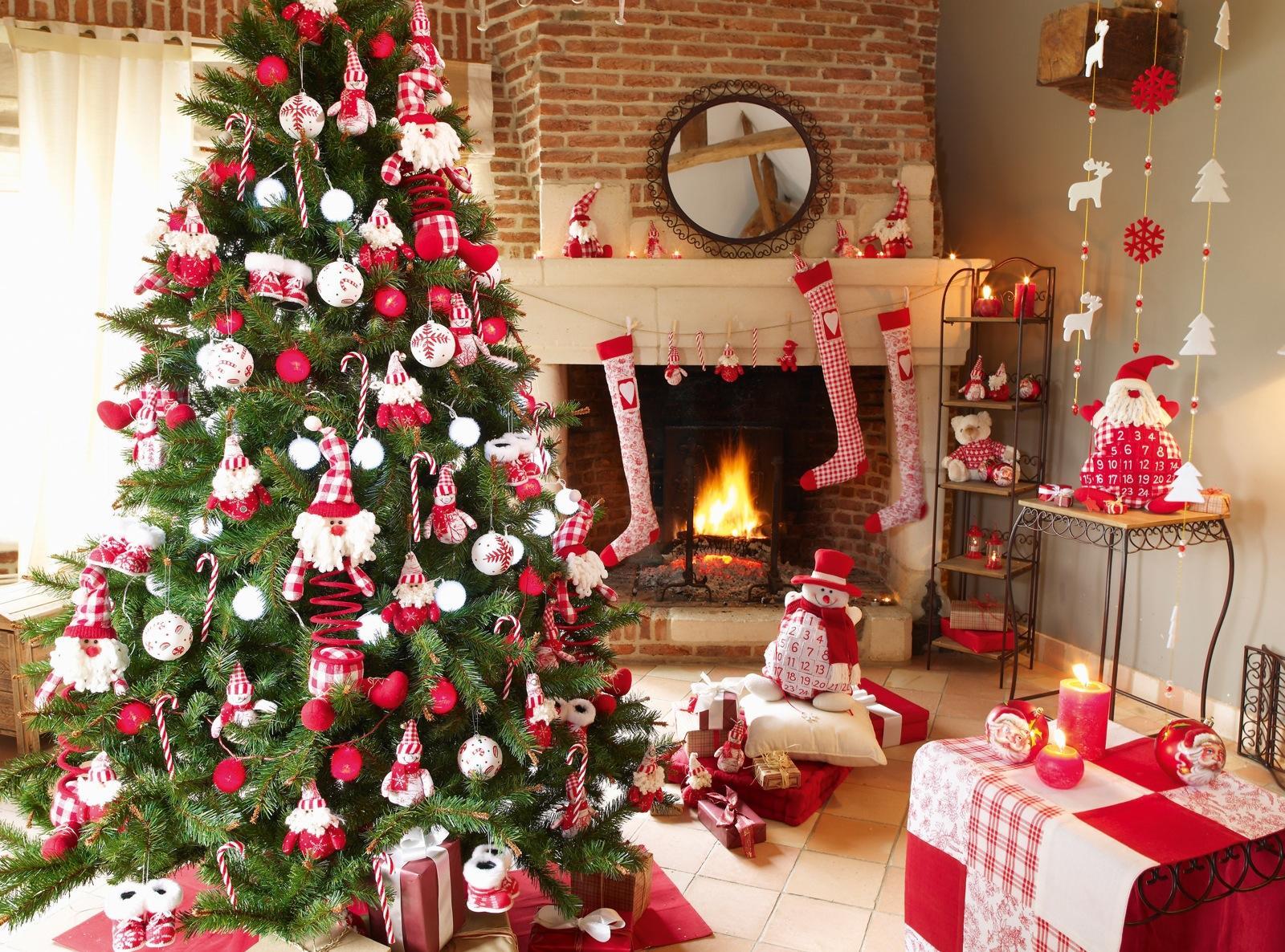 Оформление новогодней елки леденцами