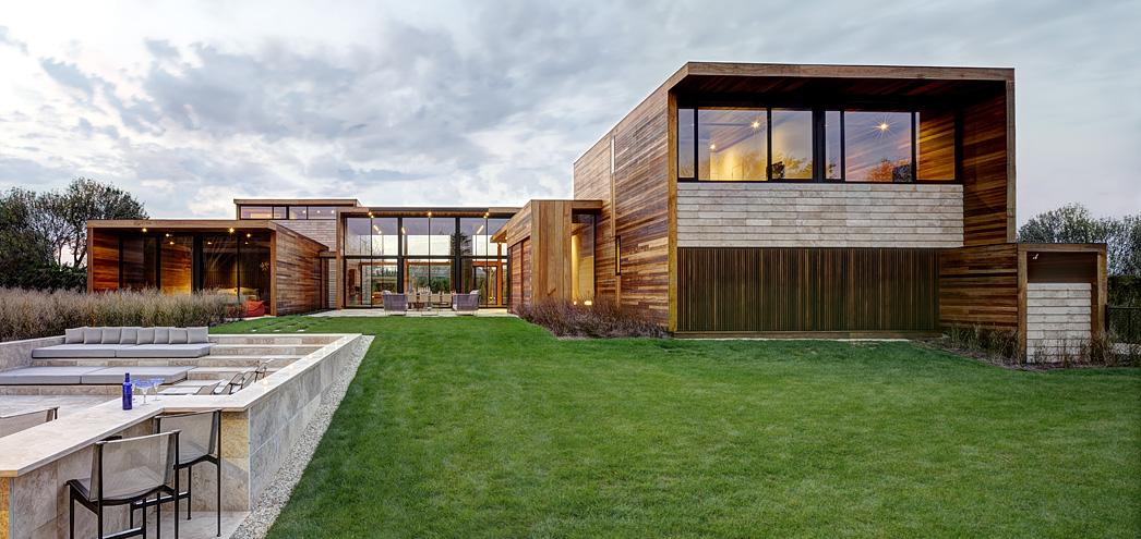 Дом из бруса в стиле хай-тек