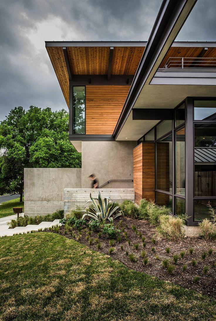 Дом с панорамными окнами в стиле хай тек