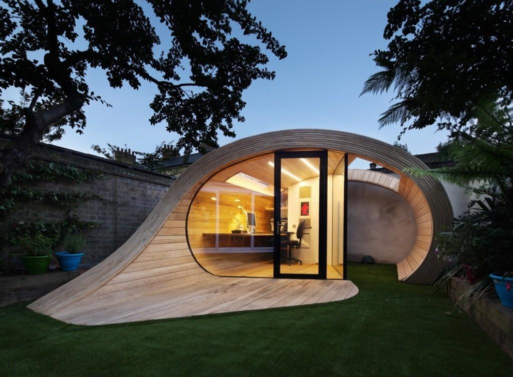 Оригинальный дом в стиле хай тек