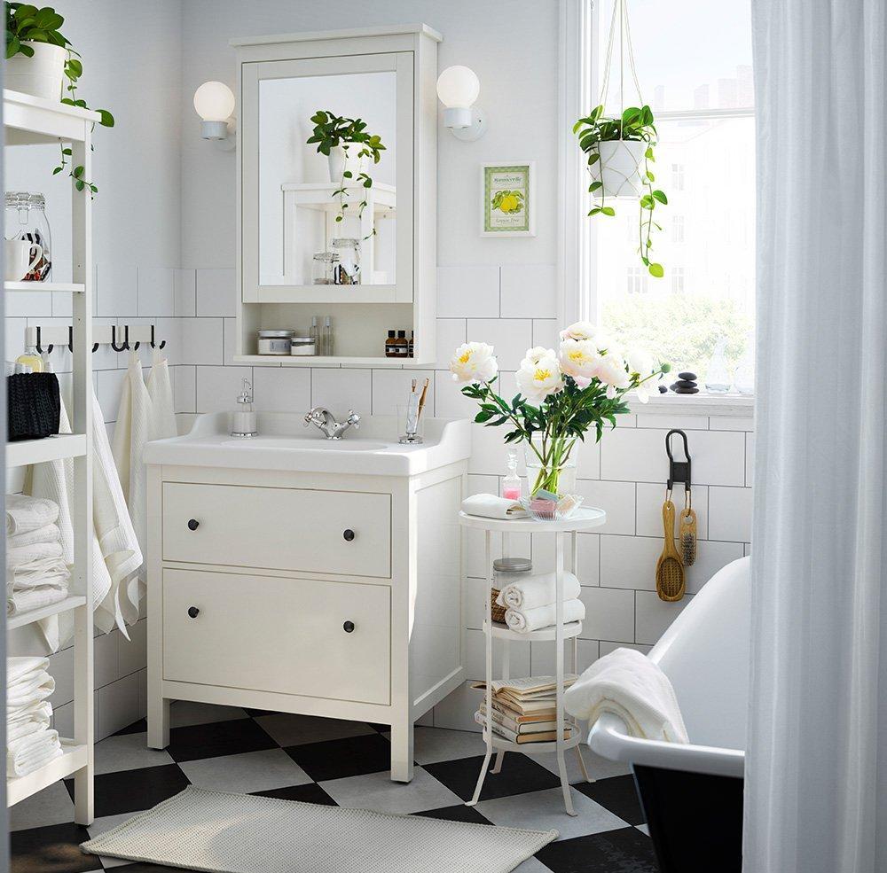 Черно-белая ванная 9 кв. м