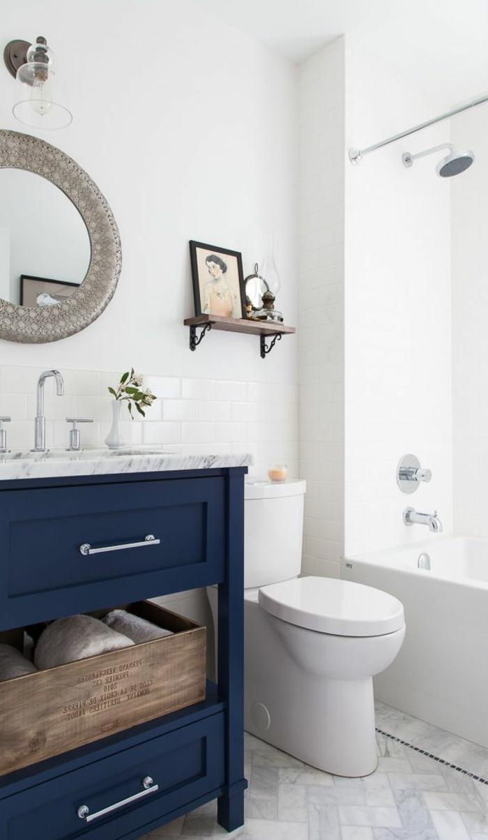 Ванная 9 кв. м с крашеными стенами