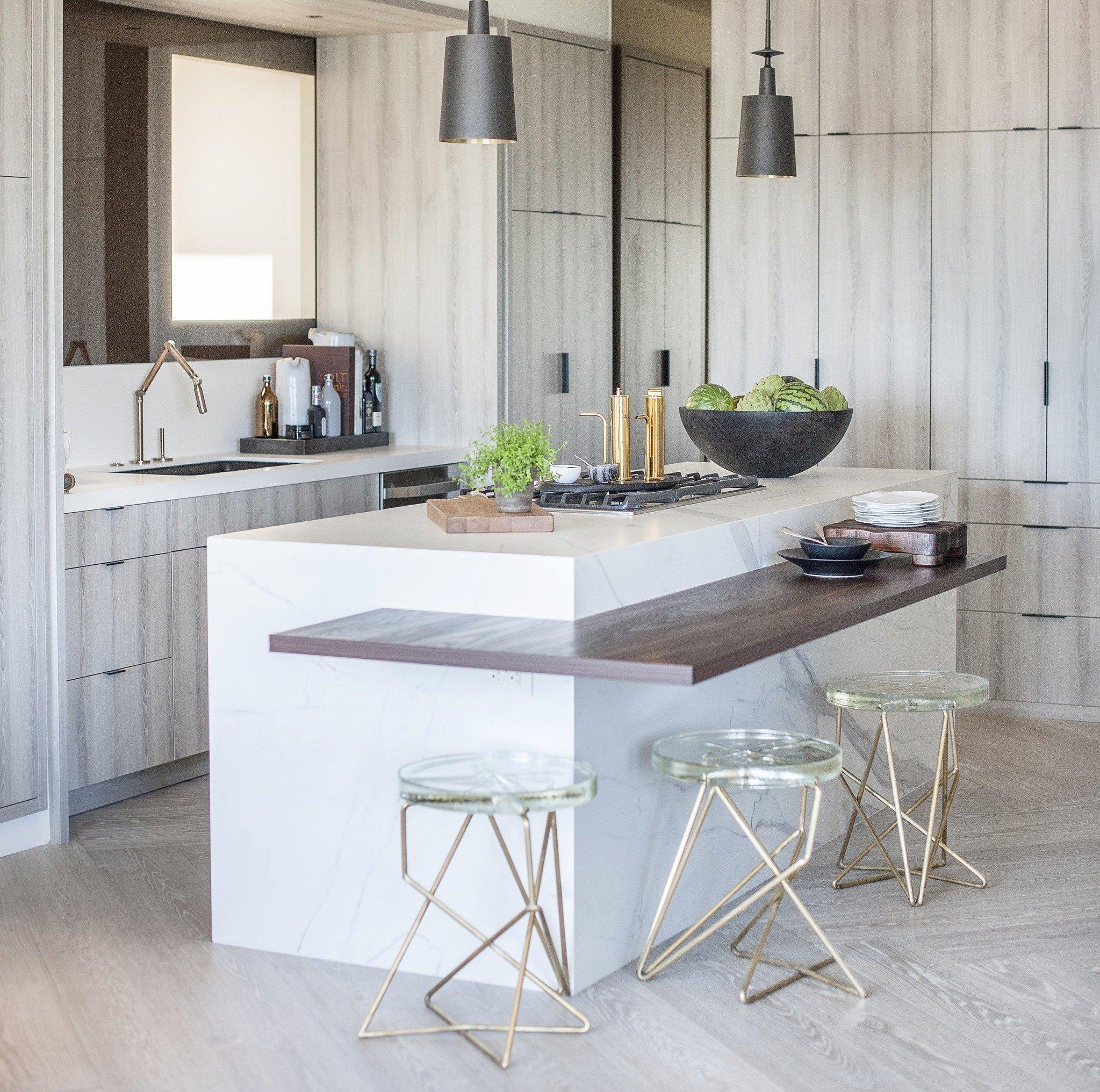 Дизайн кухни из беленого дуба 2017