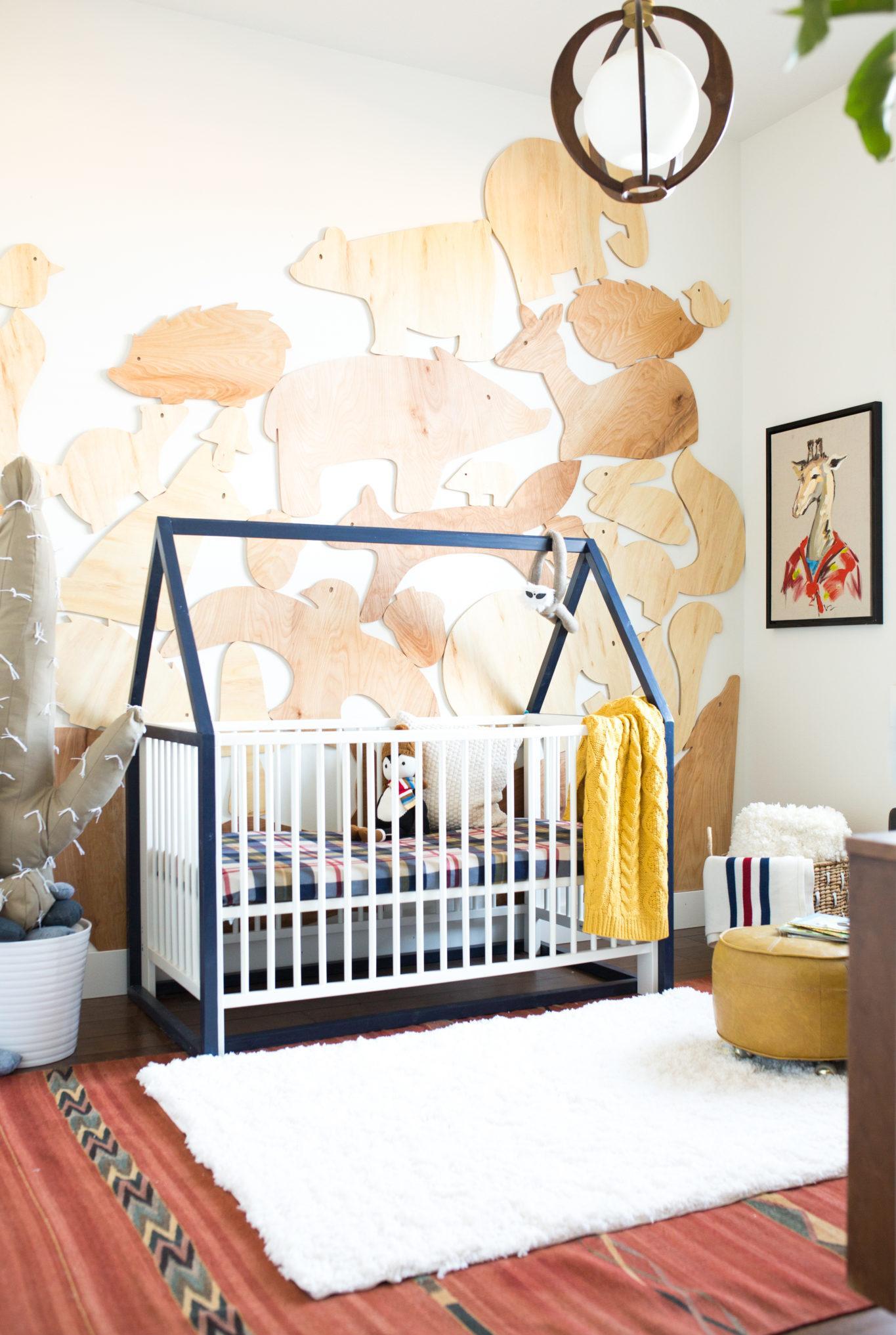Декор детской кроватки из фанеры