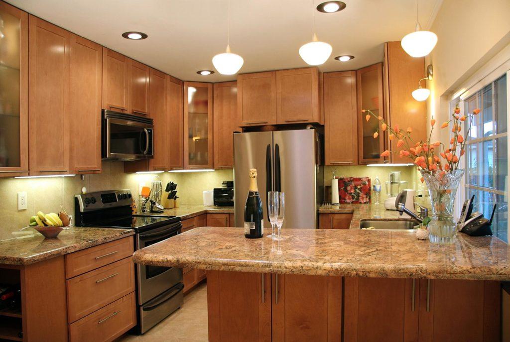 Освещение кухни по зонам фото