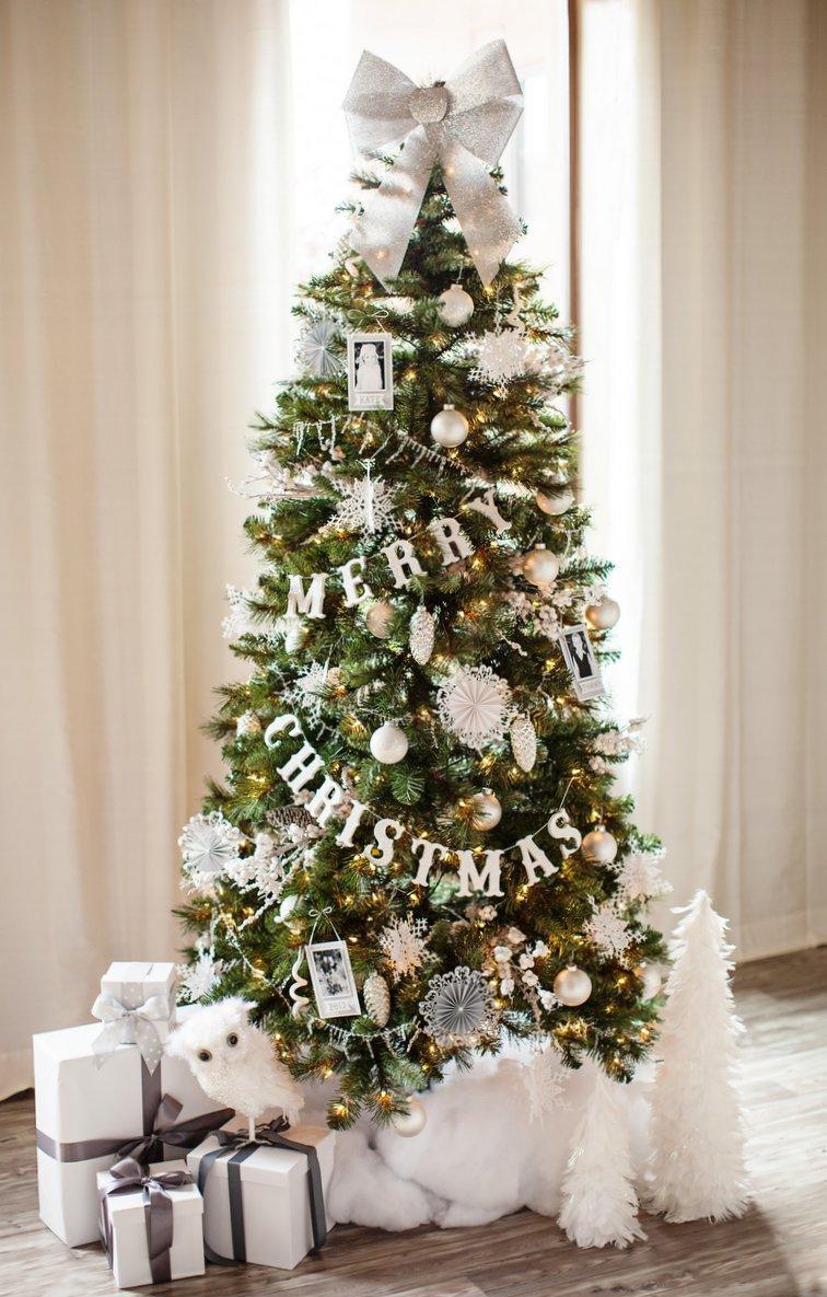 Белый декор елки на Новый год