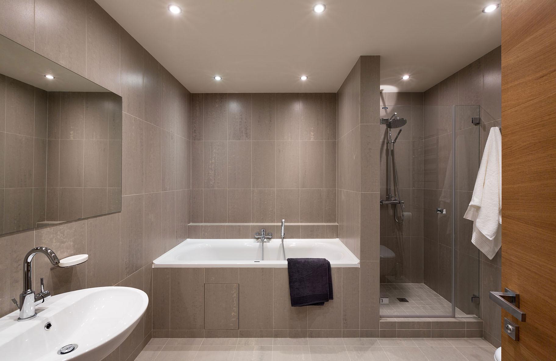 Коричневый дизайн ванной комнаты
