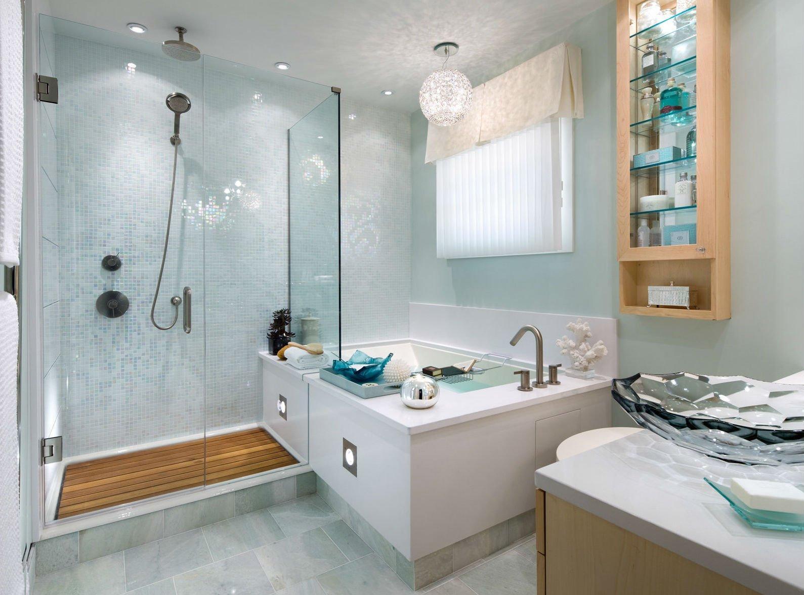 Мятно-белая ванная комната