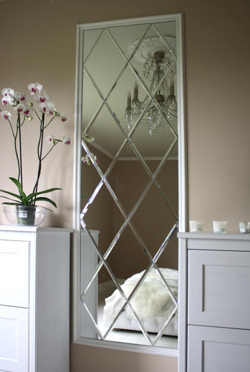Зеркальная панель в интерьере