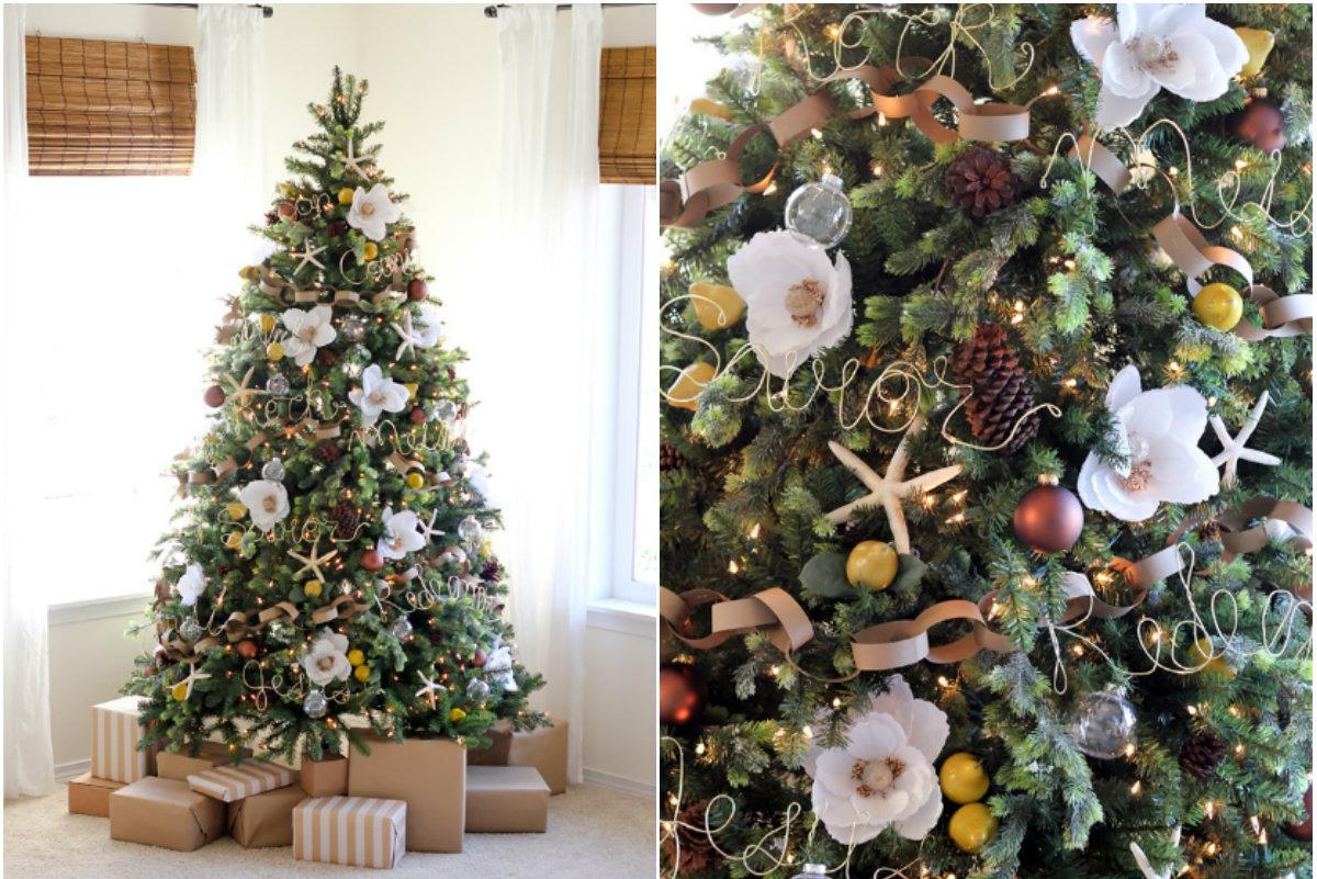 Украшение елки на Новый год цветами и игрушками