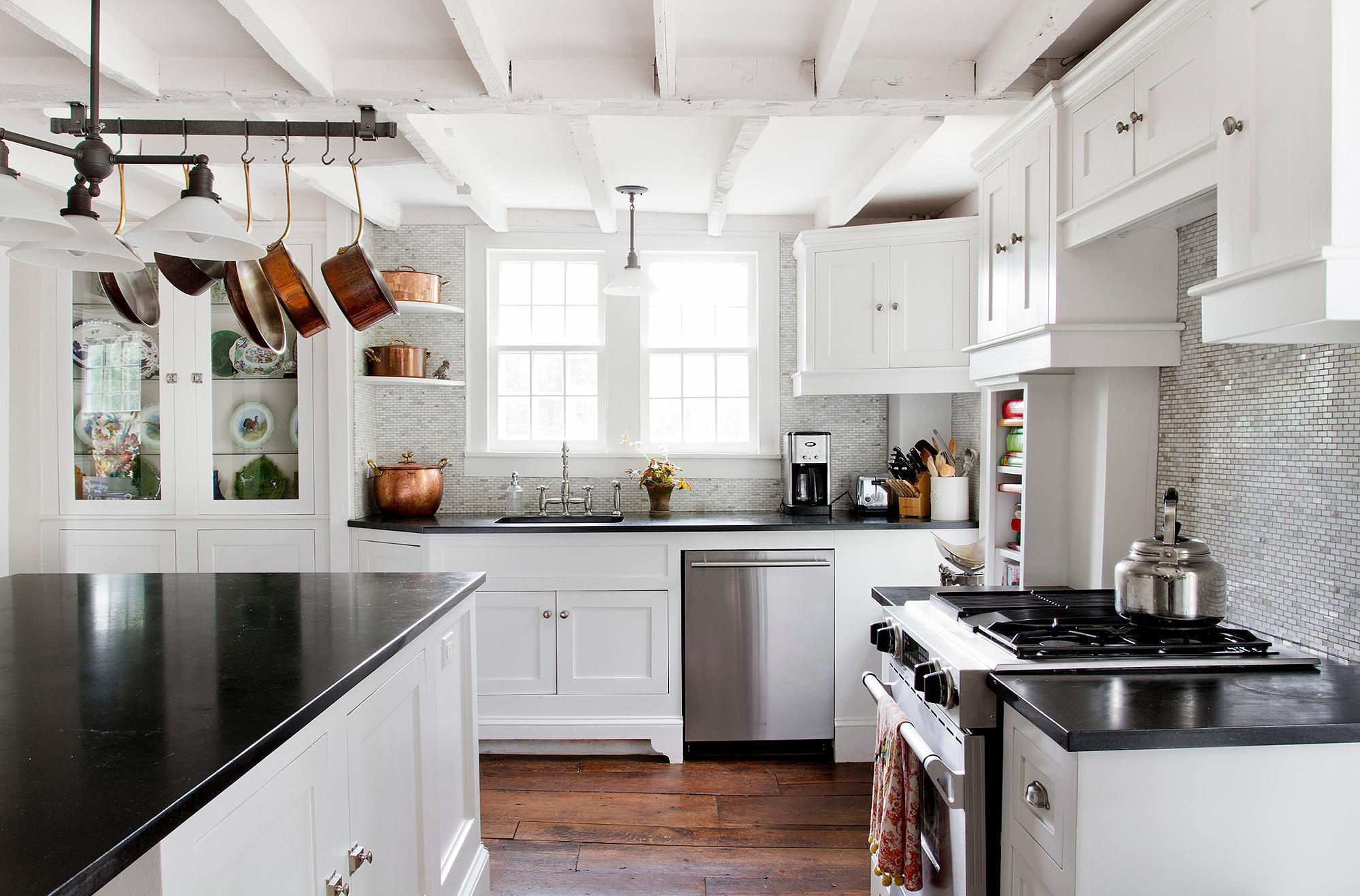 Дизайн кухни с посудой 2017