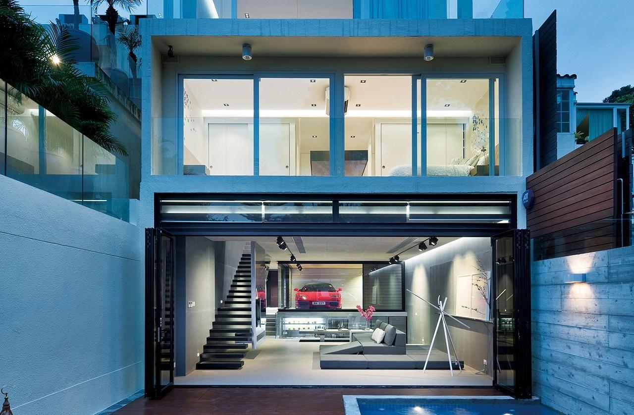 Небольшой дом в стиле хай-тек