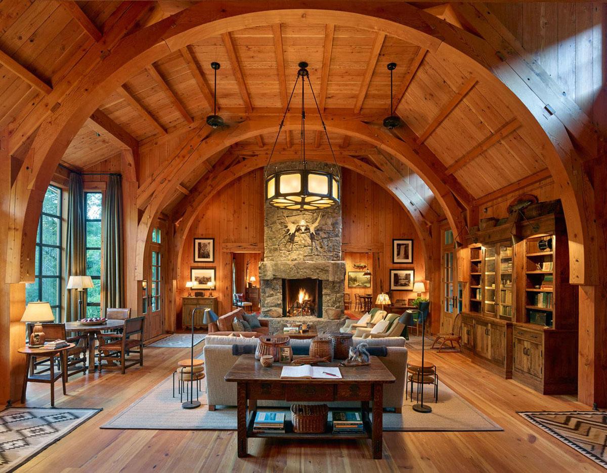 Дом в стиле шале с аркой