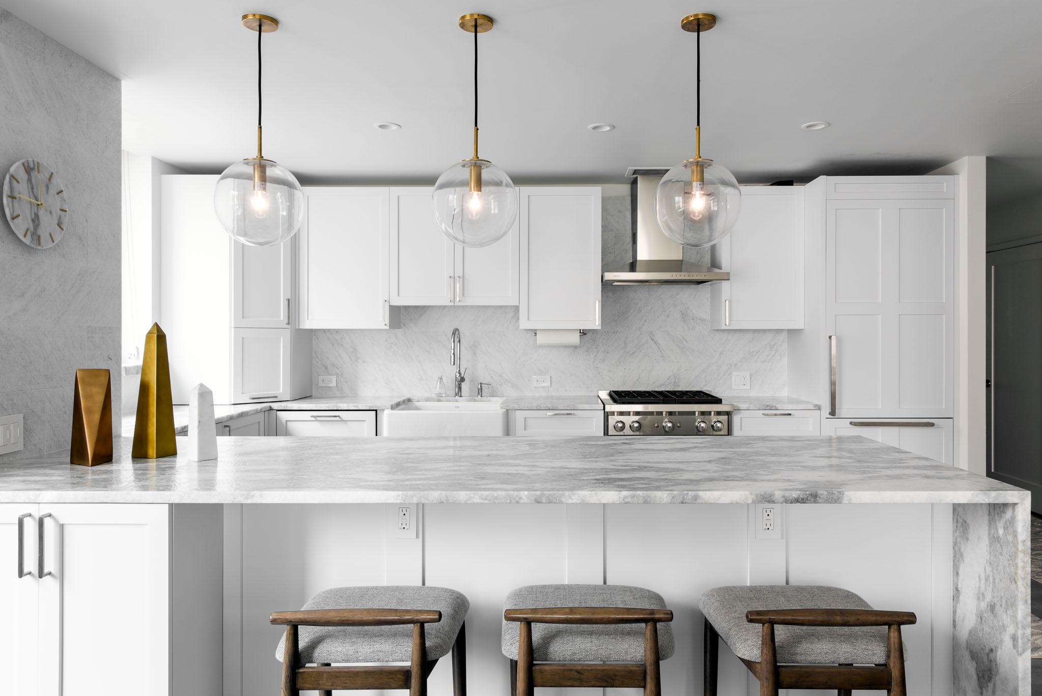 Кухня 7 кв м белая