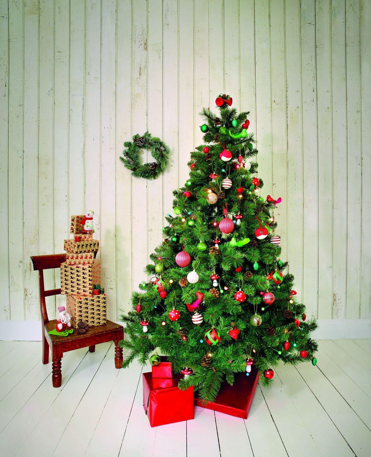 Классическое оформление елки на Новый год