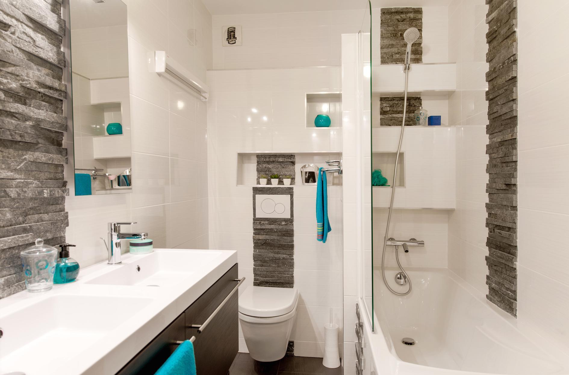 Ванная 9 кв. м с каменной отделкой