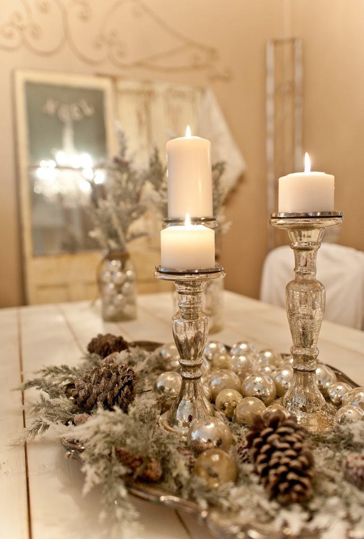 Украшение новогоднего стола 2020 в белом цвете