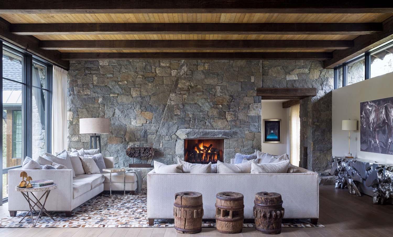 Дом в стиле шале с камнем