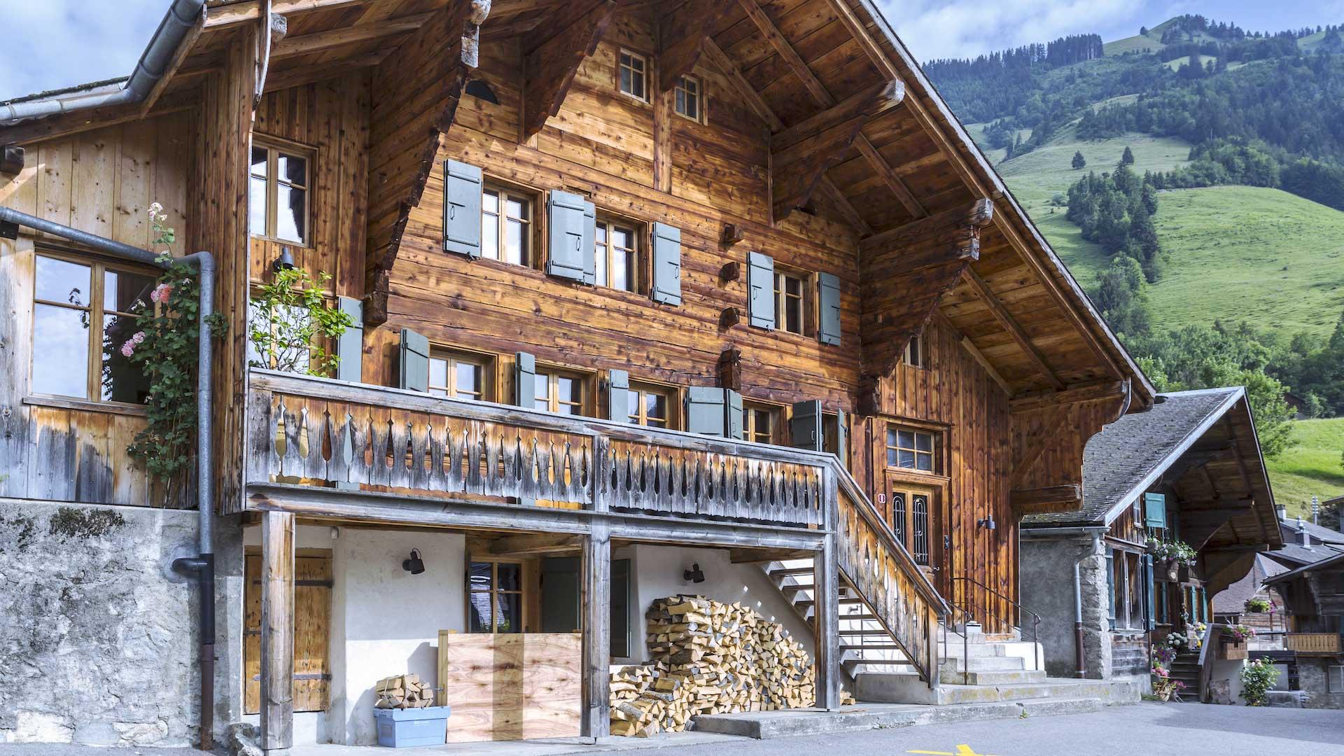 Дом в стиле шале традиционный