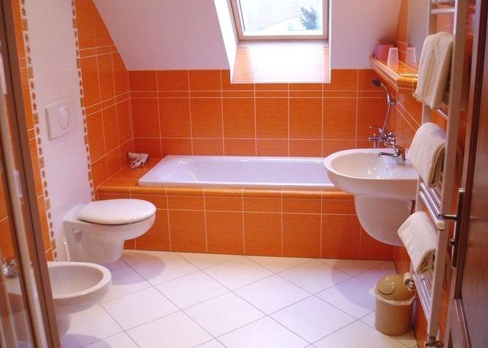 Ванная 9 кв м оранжевая