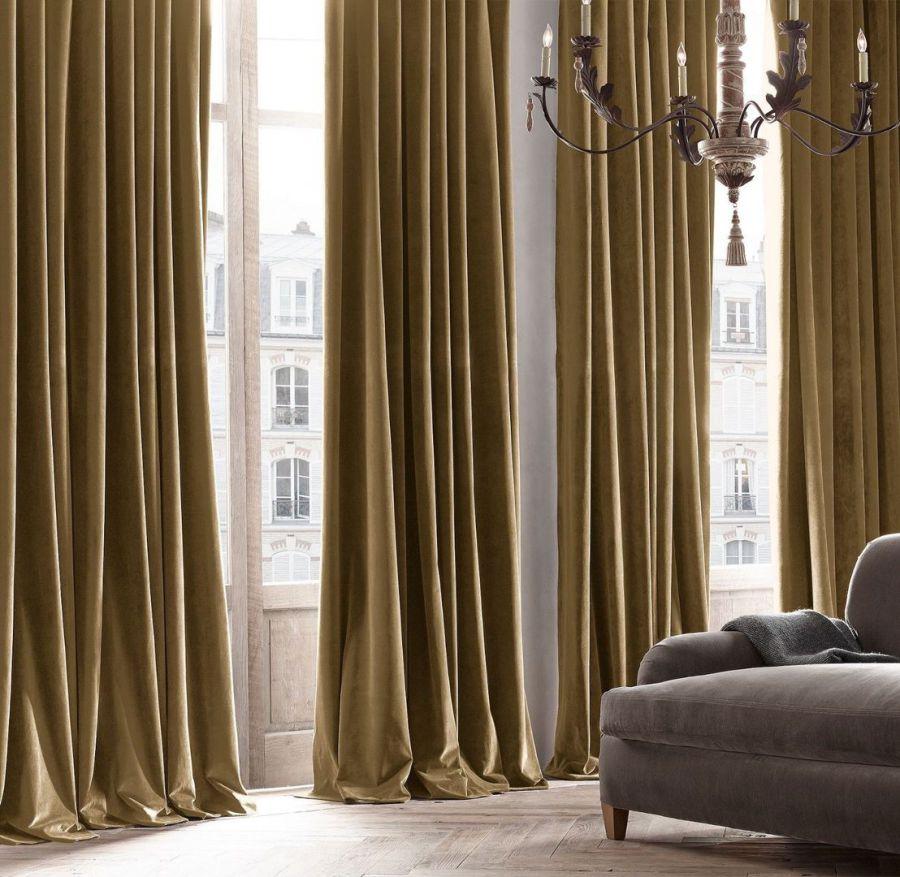 Оформление окон шторами бархатными коричневыми