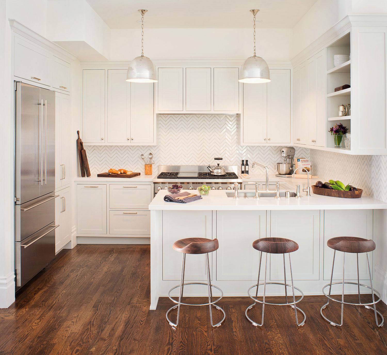 Белая барная стойка-столешница на кухне