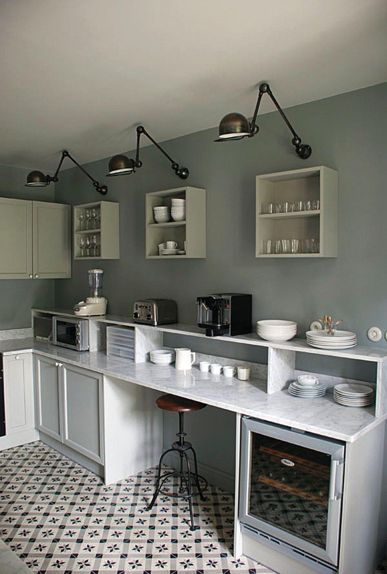 Дизайн кухни с барной стойкой мраморной