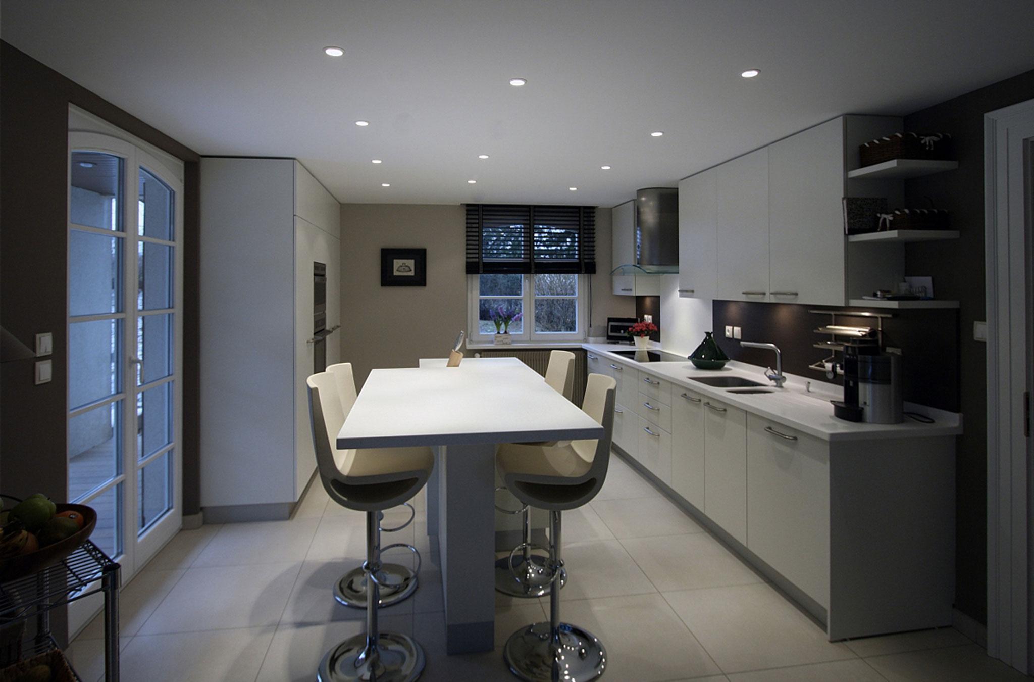 Дизайн кухни с барной стойкой столом
