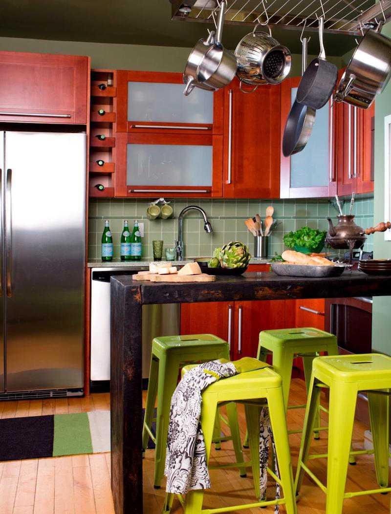 Дизайн кухни с барной стойкой в эклектичном стиле