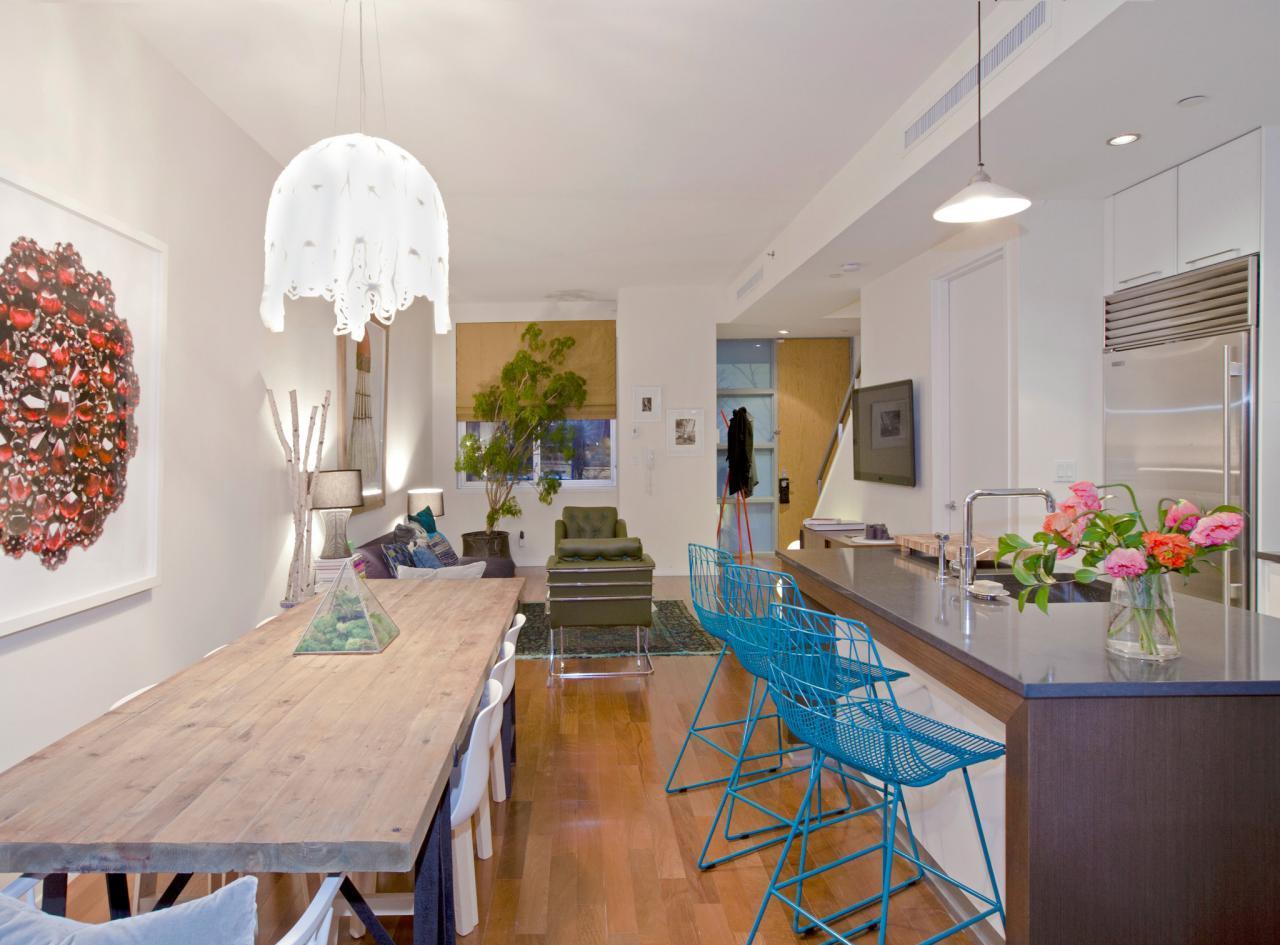 Дизайн кухни с барной стойкой в квартире студии