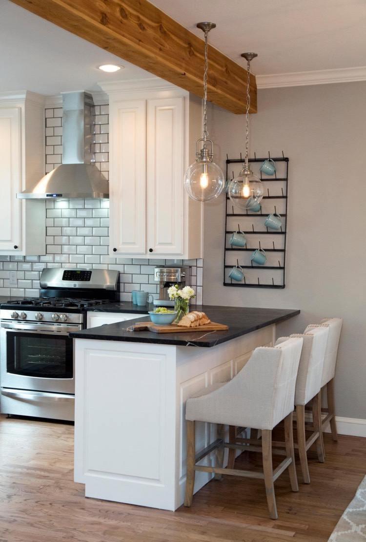 Дизайн кухни с барной стойкой современной